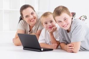 anya_gyerekek_tanulnak