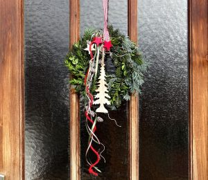door-wreath-1065410_640